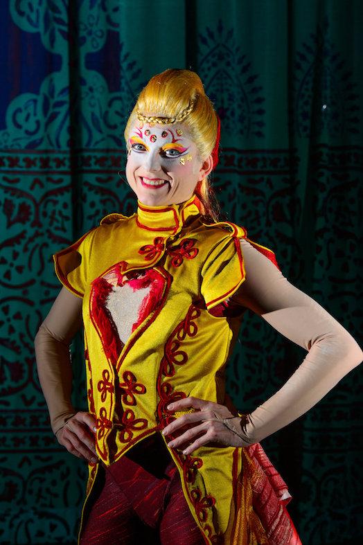 Cirque-Du-Soleil-Kooza-Lisa-Skinner-2