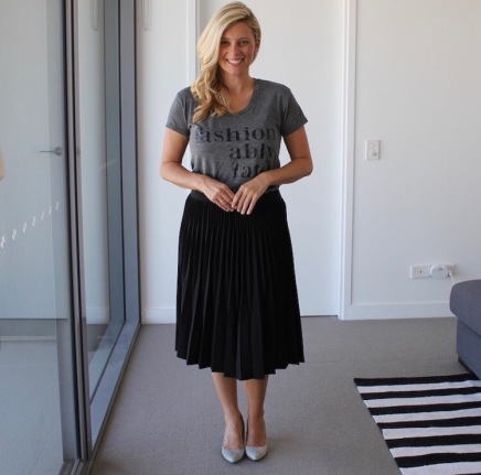 Pleated_skirt_tshirt