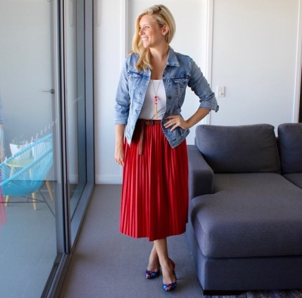 Red_Pleated_skirt_denim_jacket