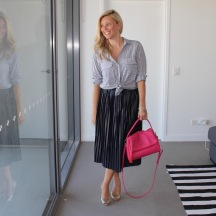 Pleated_skirt_striped_shirt