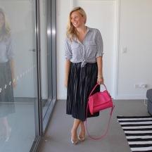 Pleated_skirt_striped_shirt